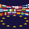 EU Europa Flaggen Halbkreis