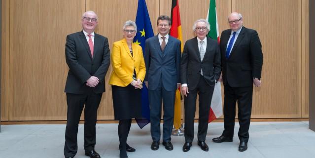 Minister Stephan Holthoff-Pförtner, S.E. Ghislain D'hoop, S.E. Jean Graff, Dr. Henk Voskamp