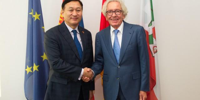Minister Dr. Holthoff-Pförtner trifft Botschafter der Mongolei