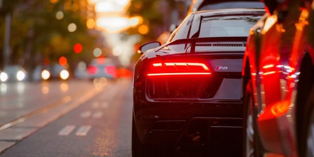 Sportwagen Auto Abend Rücklichter