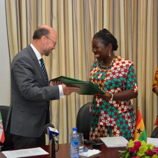 Ghanareise 2016 - Übergabe Partnerschaftsabkommen