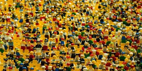 Menschen menge Lego Tribüne