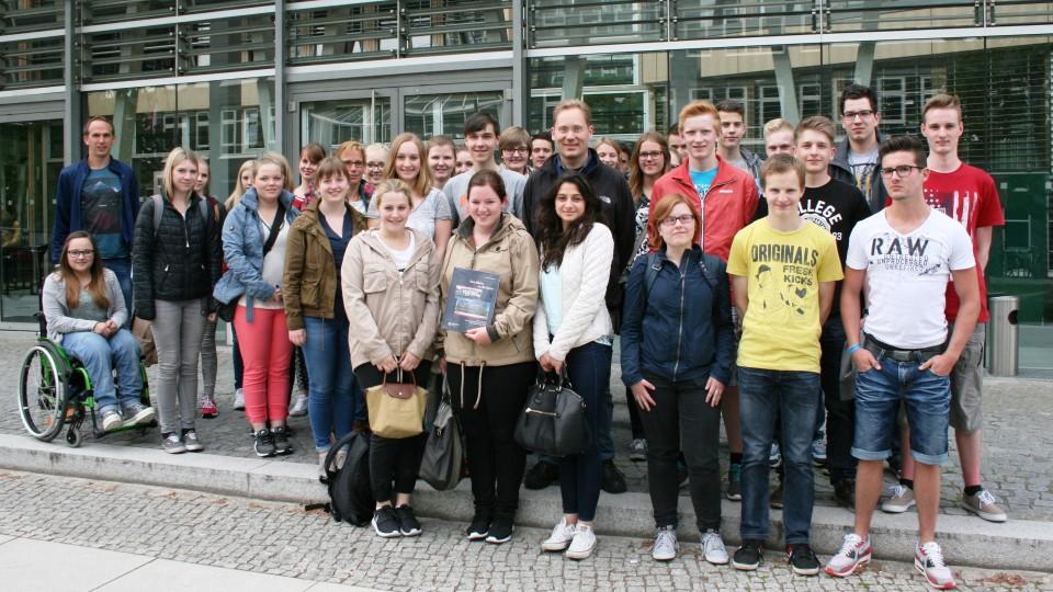 08.06.2015: Besuchergruppe Oswald-von-Nell-Breuning-Berufskolleg Coesfeld