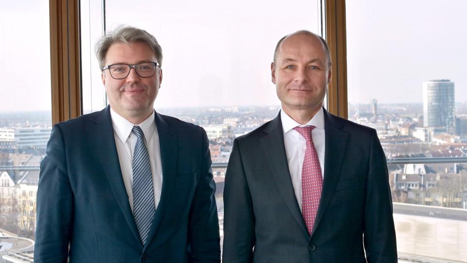 Staatssekretär Marc Jan Eumann mit Jochen Blöse