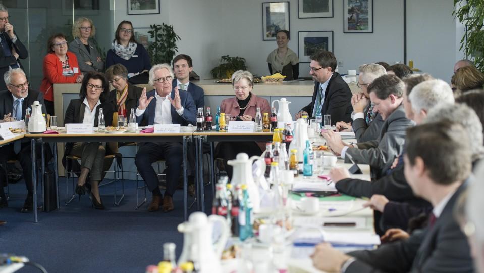 Minister tauscht sich zur grenzüberschreitenden Zusammenarbeit aus