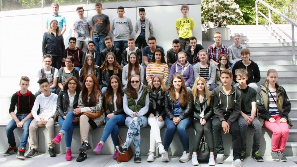 07.05.2015: Besuchergruppe Viersener Realschule an der Josefskirche