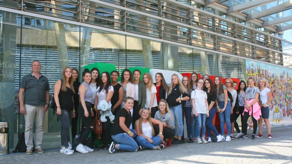 07.09.2016 Besuchergruppe 10. Klasse St-Angela-Schule Düren
