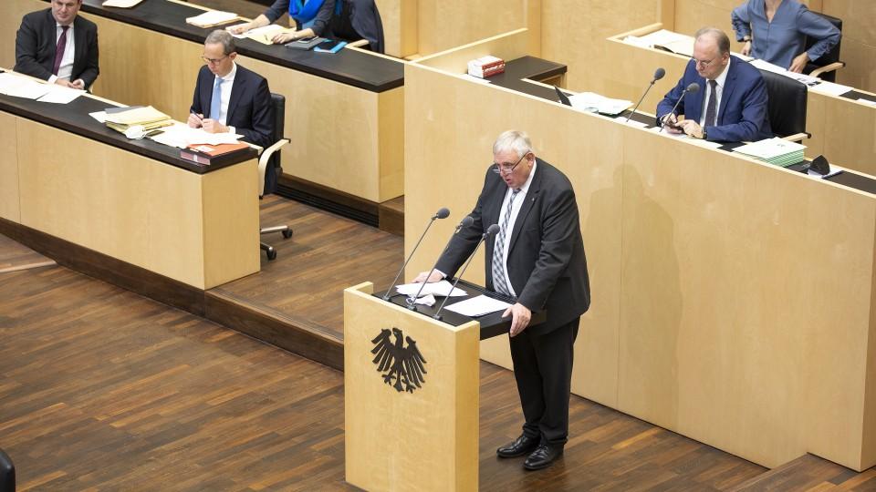 998. Bundesrat - 03