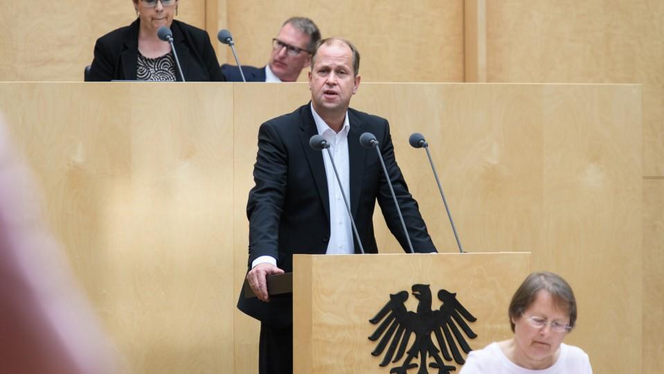 Minister Stamp - 922. Bundesrat