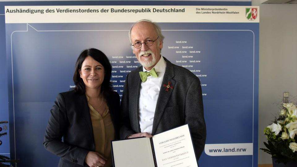 Bundesverdienstorden an Dr. Ernst-Werner Strahl